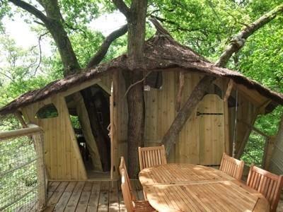 cabanes en l 39 air vacances en sologne tout pour les femmes. Black Bedroom Furniture Sets. Home Design Ideas