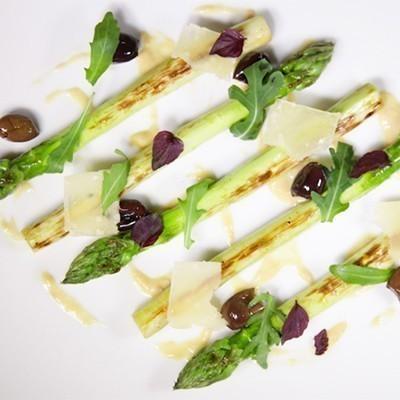 Asperges comment les cuisiner toutpourlesfemmes - Comment cuisiner les asperges blanches ...