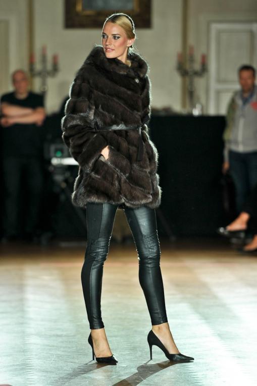 Comment bien choisir son manteau en fourrure.  manteau fourrure new embert vison b7c907ea5675