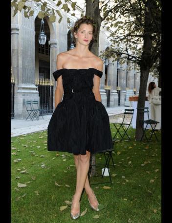 Femmes Pour Les De Robe La Petite NoireTout Légende vwm8nN0